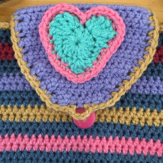 Crochet bag buttonhole
