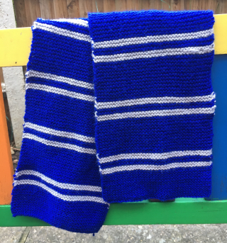 09 knitted ravenclaw scarf