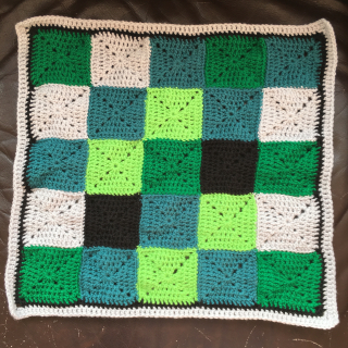 Minecraft creeper crochet cushion back cover 1